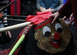 Wir veranstalten eine Weihnachtsfeier mit Aktivitäten für Groß und Klein!